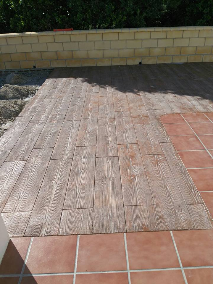 Modelo: madera - color: 121/T.Gris